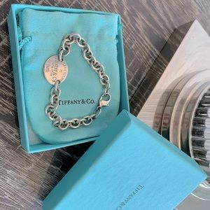 Tiffany +Co Return to Tiffany bracelet